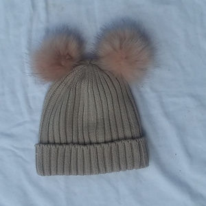 5/$25 winter hat with fuzzy ball ears
